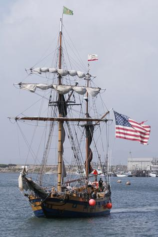 Hawaiian Chieftan in Morro Bay 2007 - photo by Erick Wand